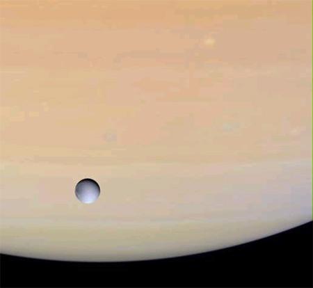 Diana al lado de Saturno
